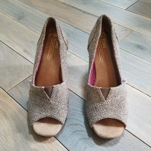 TOMS Brown Metallic Gold Peep Toe Wedges